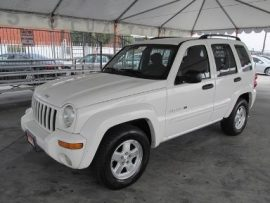 Jacob BECK is associated to a white 2002 Jeep Liberty, bearing British Columbia license plate CJ904G.